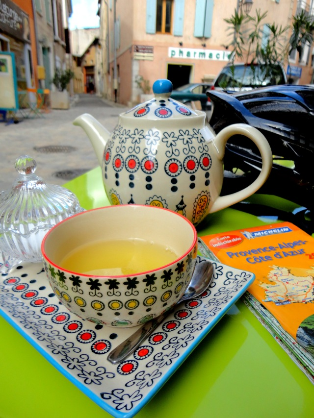 The best tea stop in Buis-les-Baronnies. La Maison de Jade.