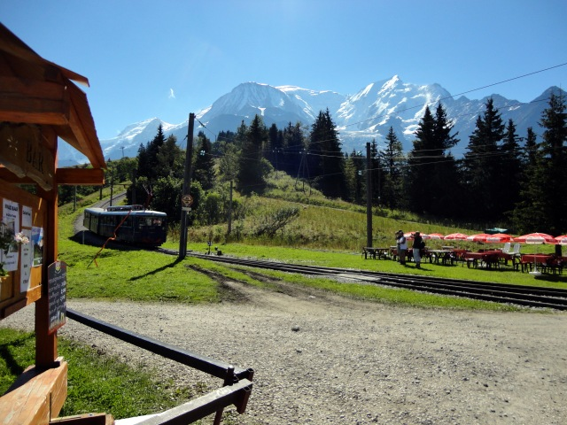 My morning tram dropped me off at the Col de Voza trailhead.  Sunshine all around!
