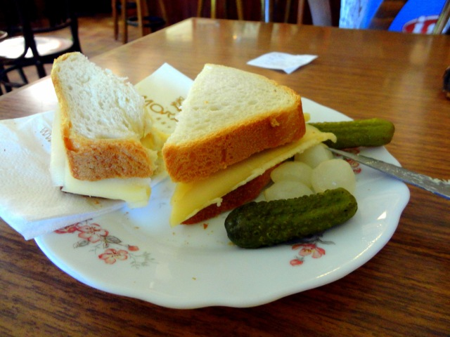 And this is only the beginning. I stopped for a very late lunch in a small café and this is the only thing they are able to make me. I thought it was going to be bland, but it was delicious. White bread, butter, creamy cheese. Can't go wrong with that.