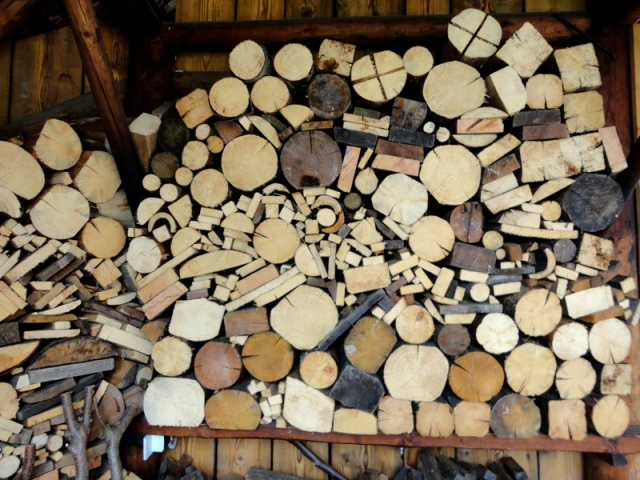 I'm a little bit obsessed with stacked wood piles. I loved how many different shapes and sizes were in this one.